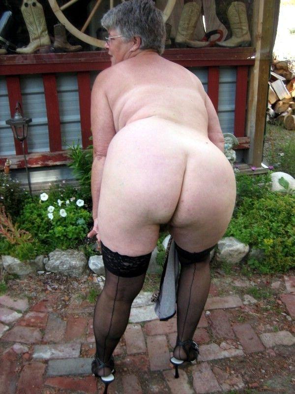 elle aime se faire enculer vieille salope qui mouille